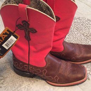 👢 Neon Ariat Boots!!!